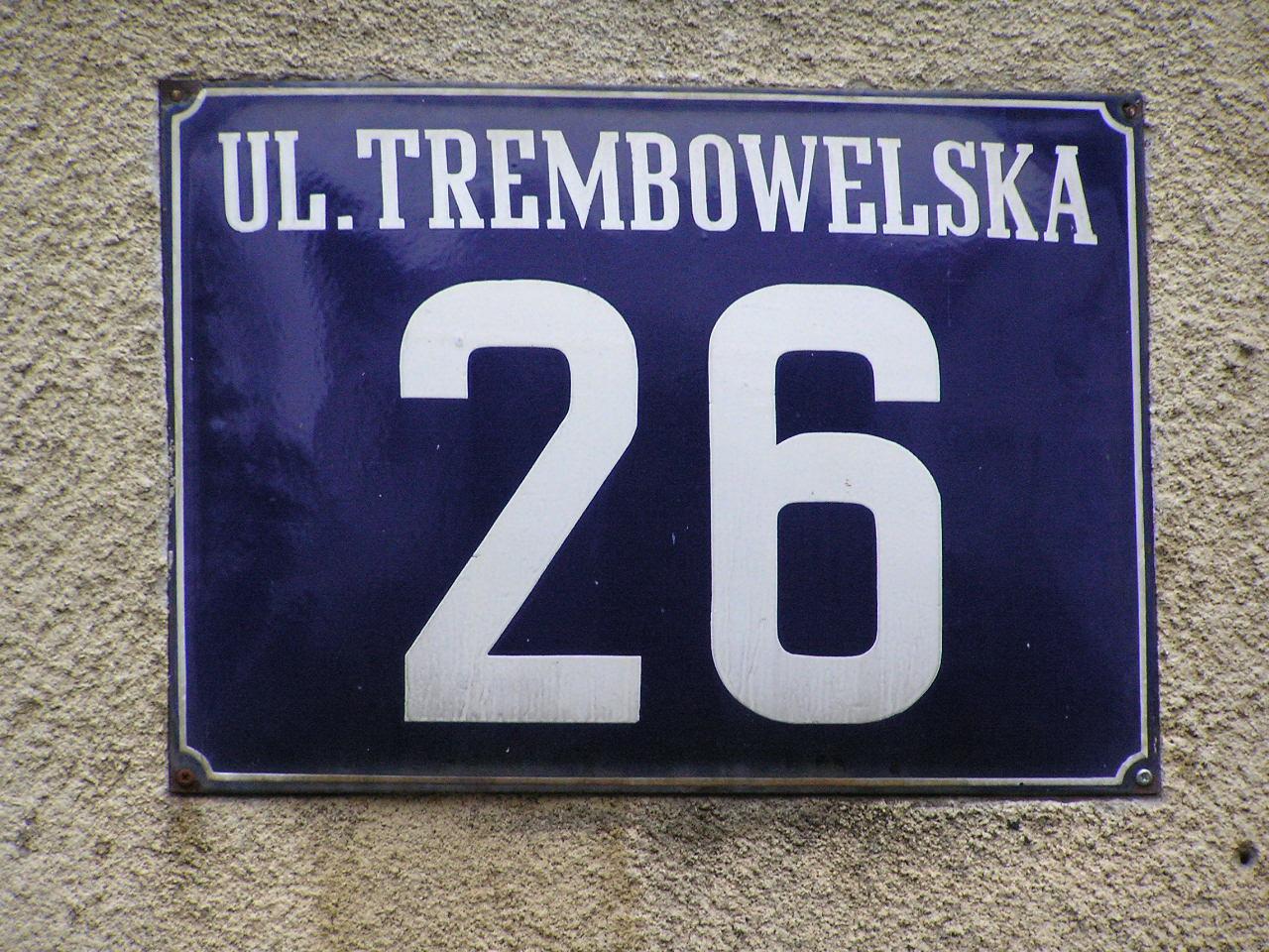 Tabliczka adresowa przy ulicy Trembowelskiej 26 na Grochowie