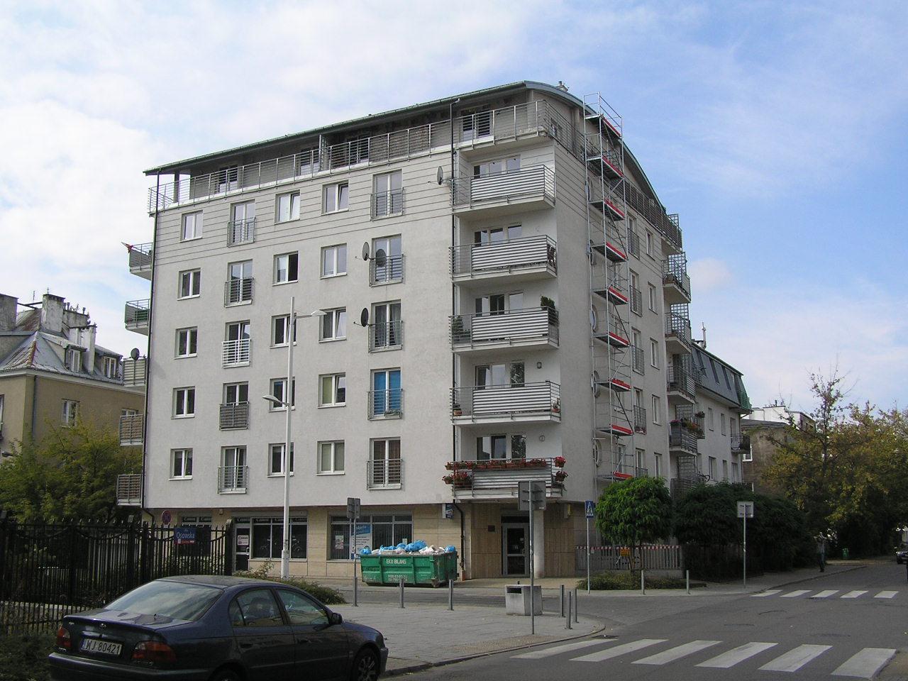 Budynek przy ulicy Osowskiej 45 na Grochowie