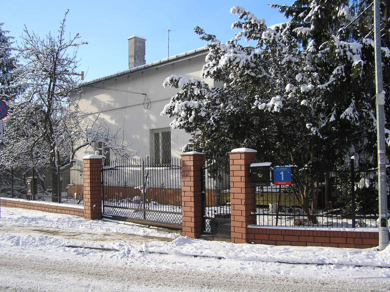 Dom przy ulicy Liwieckiej 1 na Grochowie