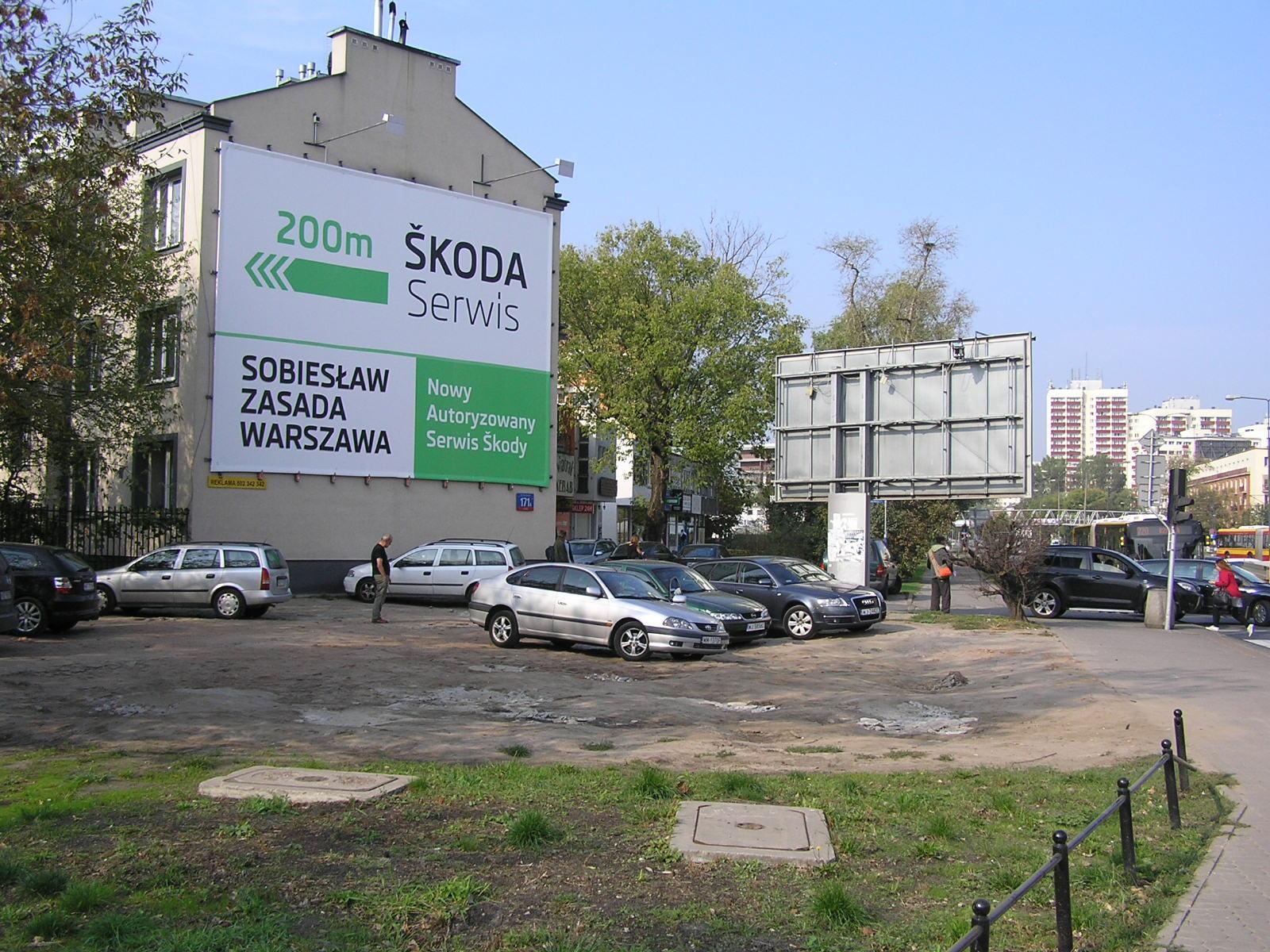 Teren po zburzonej Grochowskiej 171 czeka na uporządkowanie