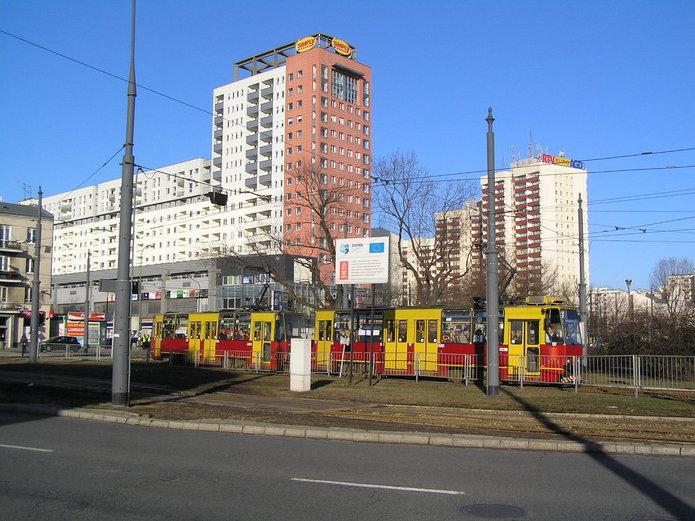 Początek wakacji bez tramwajów na Grochowskiej i Al. Waszyngtona