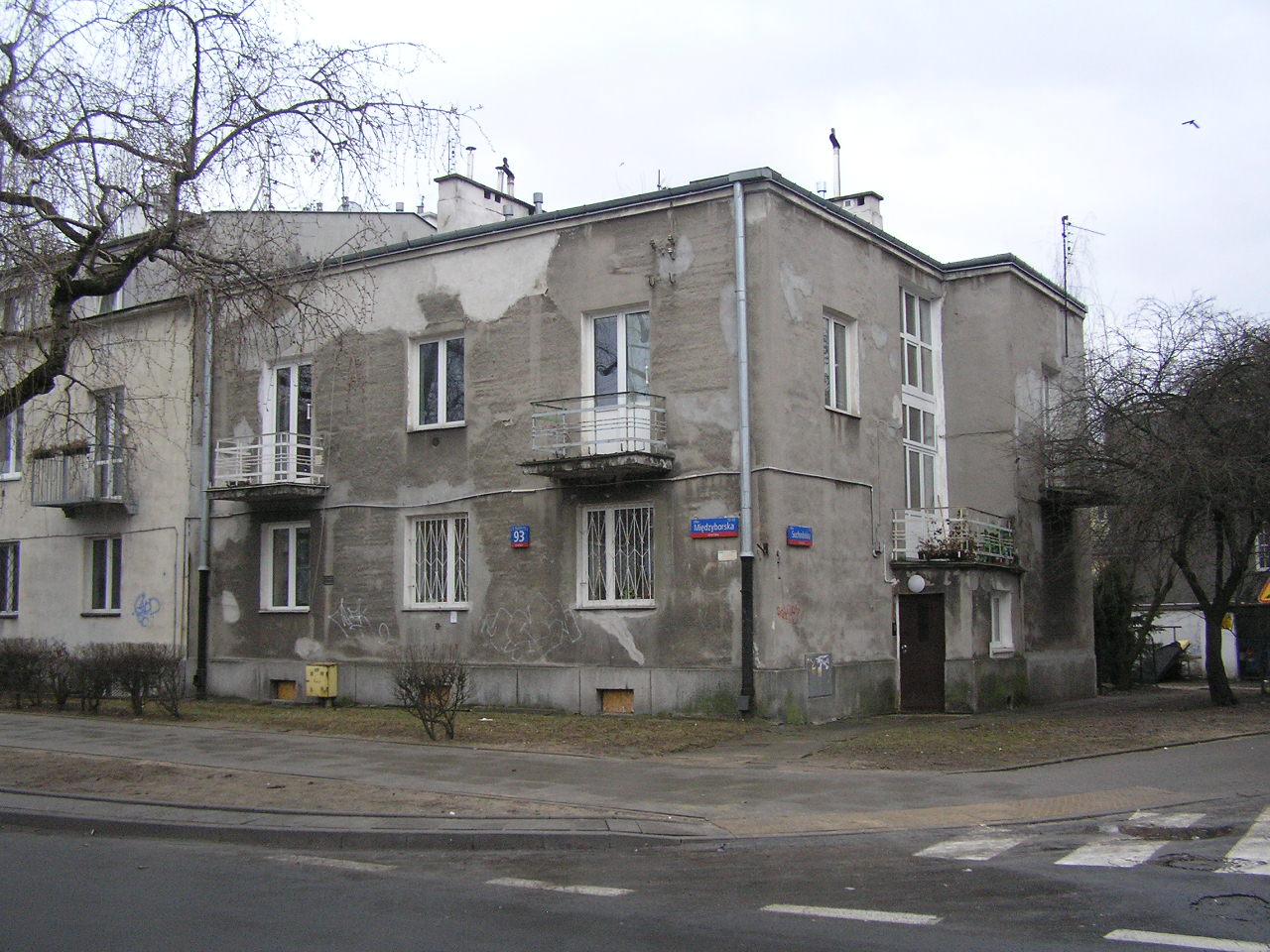 Kamienica przy ulicy Międzyborskiej 93 na Grochowie w Warszawie