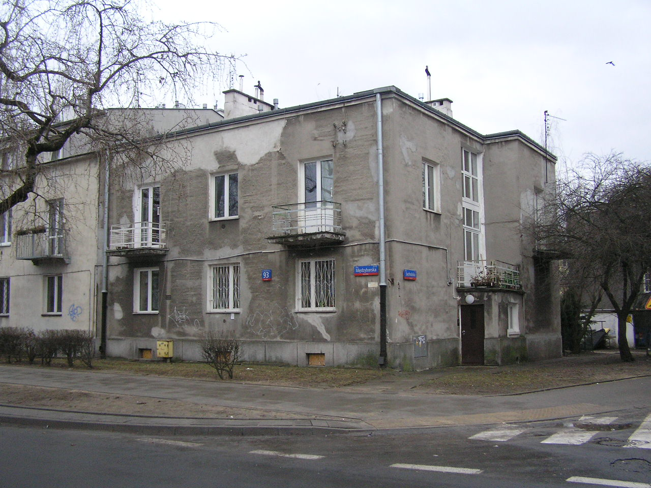 Międzyborska 93
