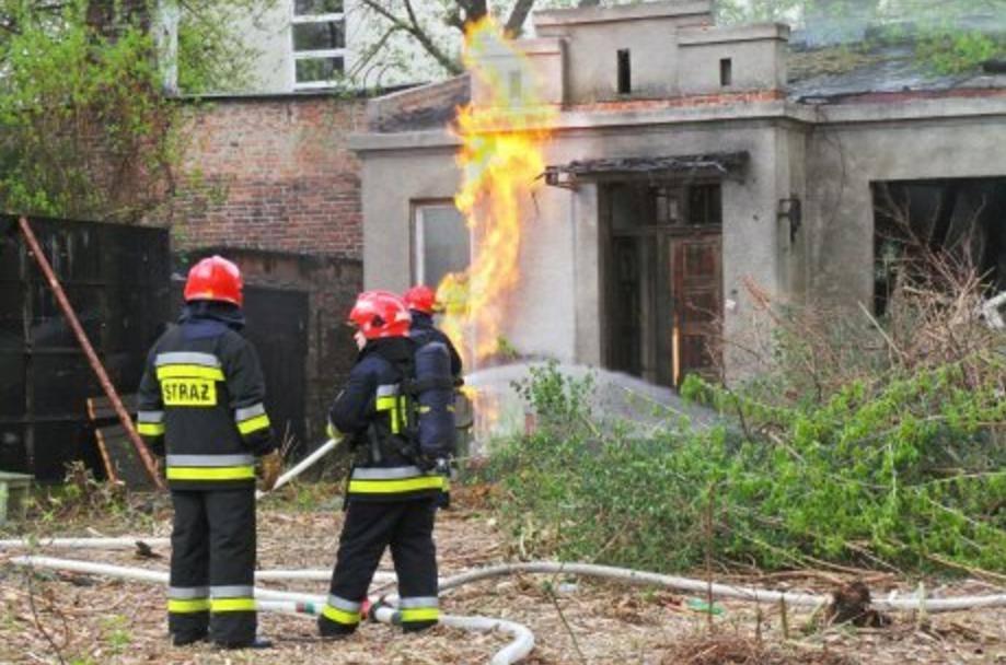 Uszkodzili skrzynkę z gazem.  Wybuchł pożar