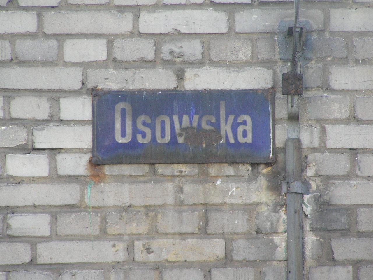 Tablica z nazwą ulicy Osowska na Grochowie