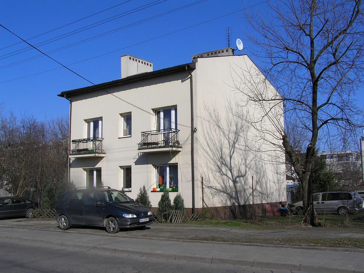 Budynek przy ulicy Podolskiej 16A na Grochowie