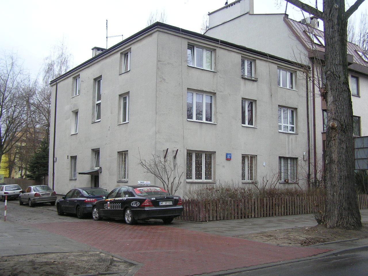 Budynek przy ulicy Międzyborskiej 87 na Grochowie
