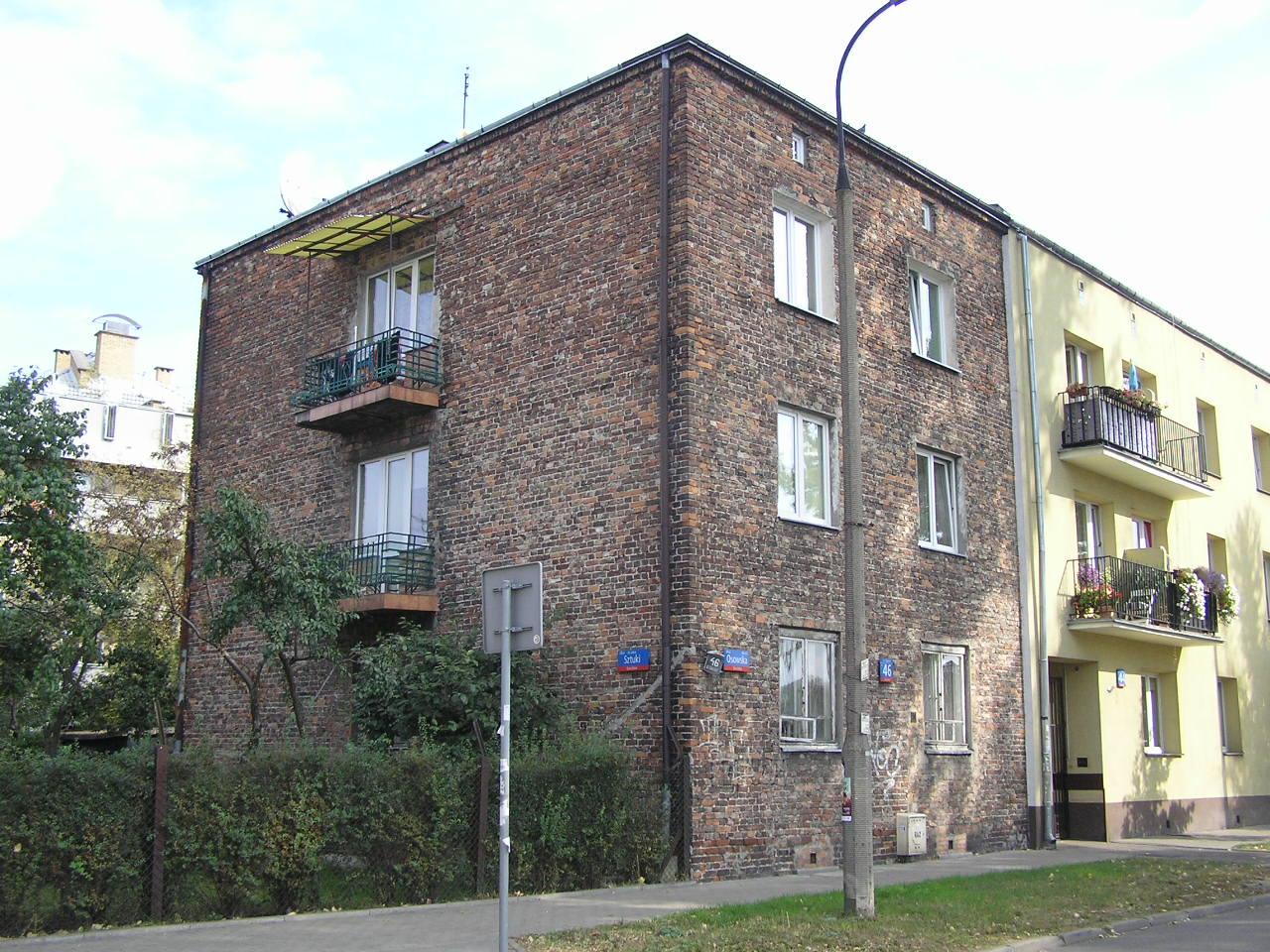 Budynek przy ulicy Osowskiej 46 na Grochowie