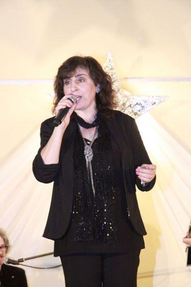 Eleni zaśpiewa kolędy