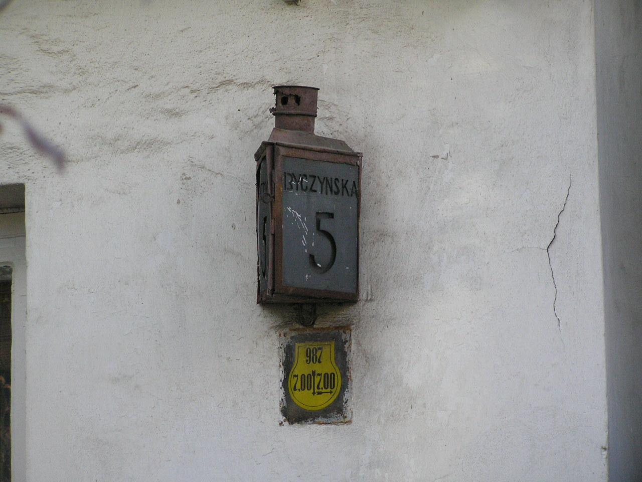Latarenka adresowa - Byczyńska 5