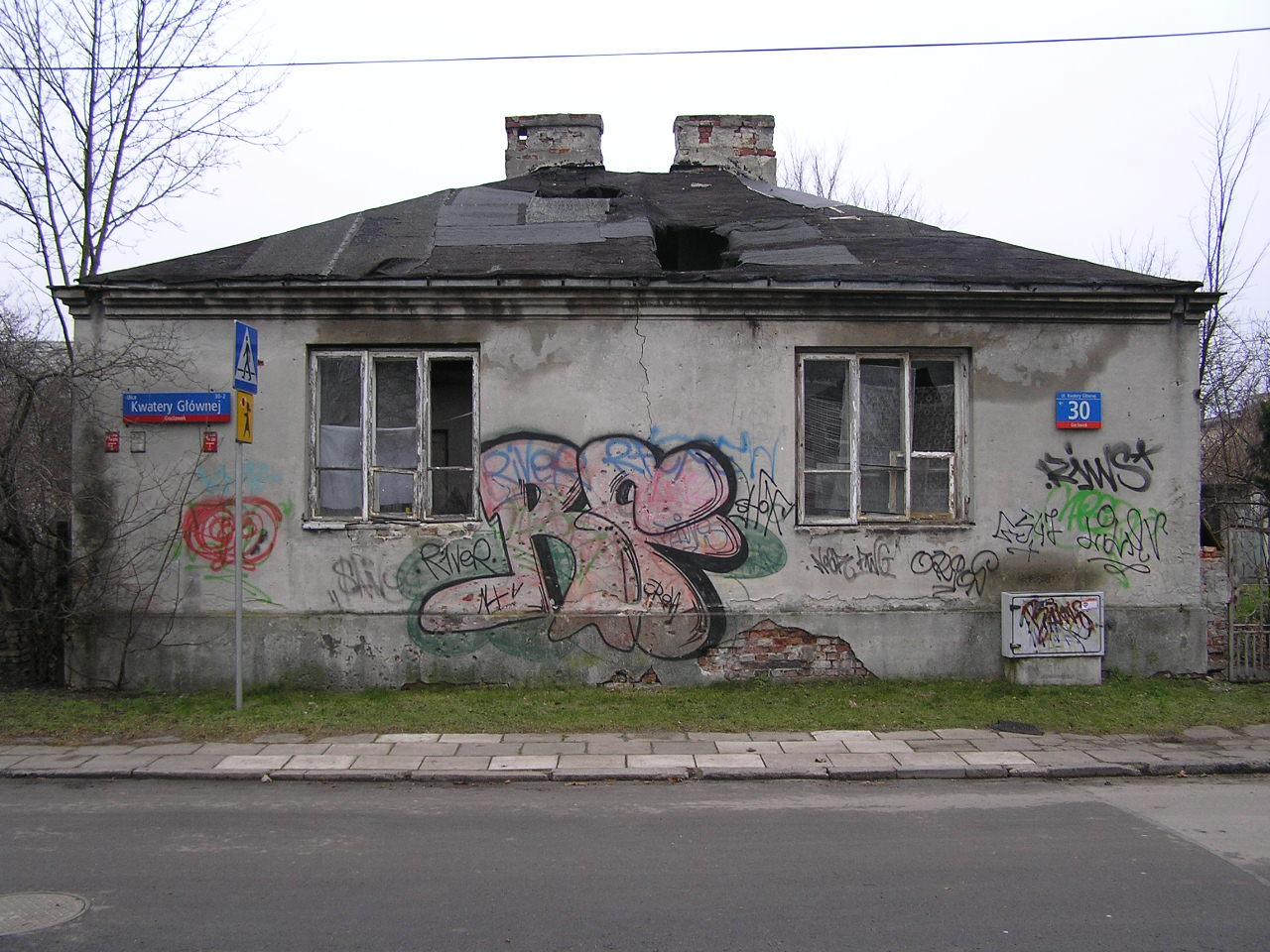 Dom przy ulicy Kwatery Głównej 30
