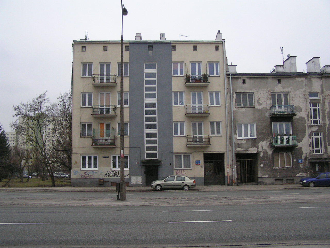 Kamienica przy ulicy Grochowskej 71A na Grochowie