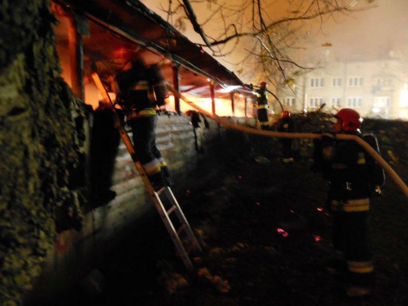 Pożar stolarni przy Wiatracznej, fot. asp. Kubera Łukasz