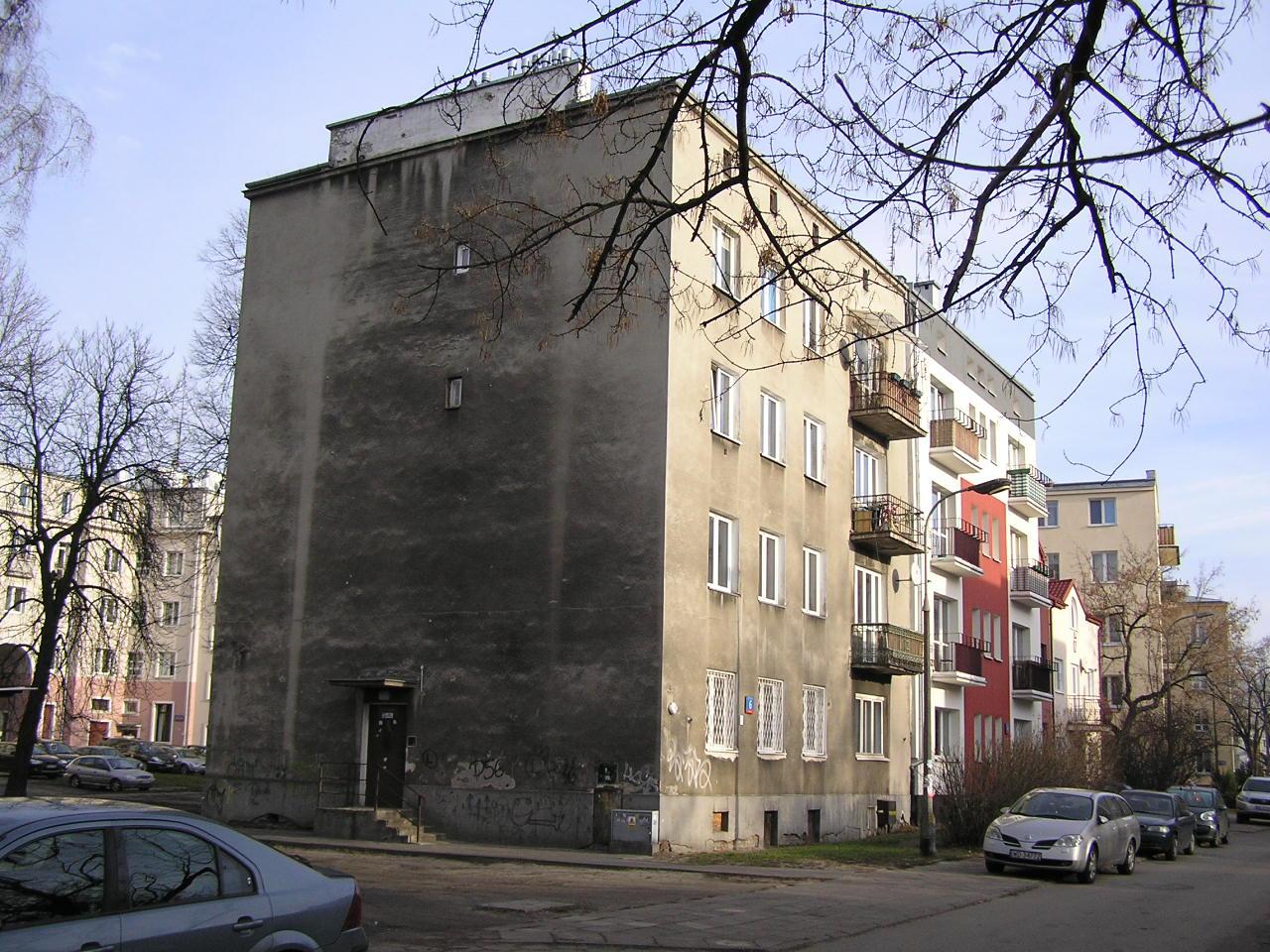 Kamienica przy ulicy Lubomira 6 na Grochowie