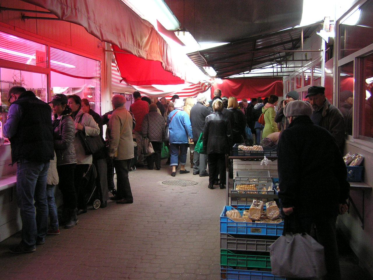Nieświeże mięso z Bazaru Szembeka
