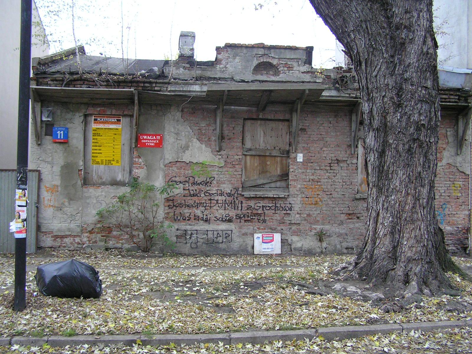 Domeyki 11 znika z mapy Grochowa