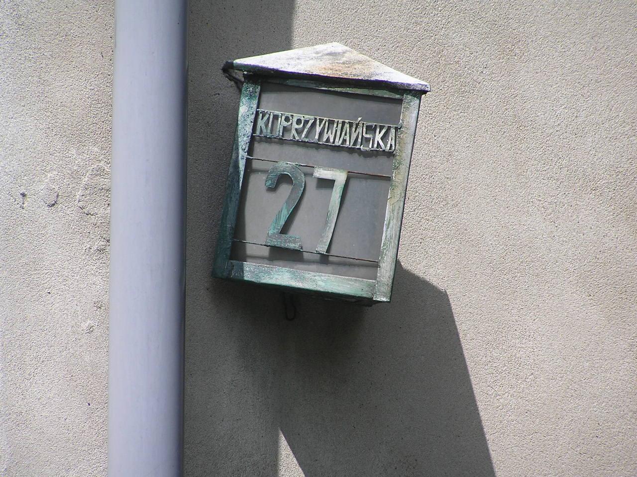 Latarenka adresowa - Koprzywiańska 27