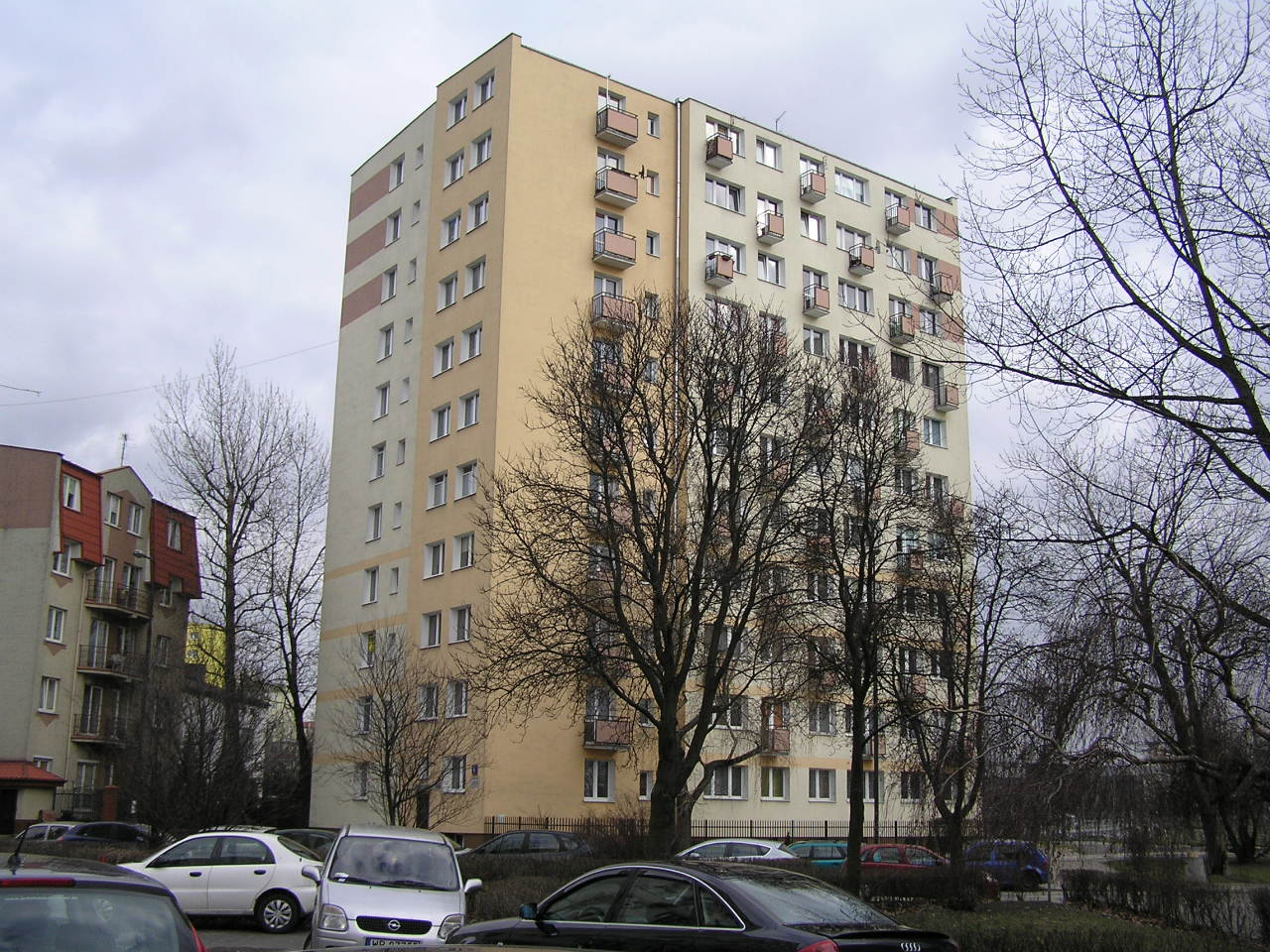 Budynek przy ulicy Rozłuckiej 4 na Grochowie