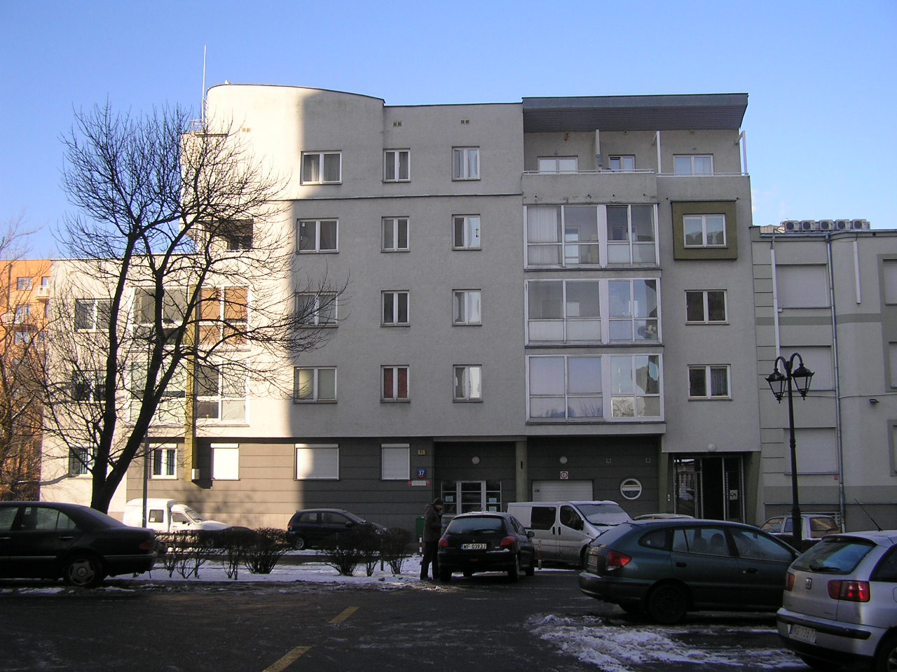 Budynek przy ulicu Krypskiej 37