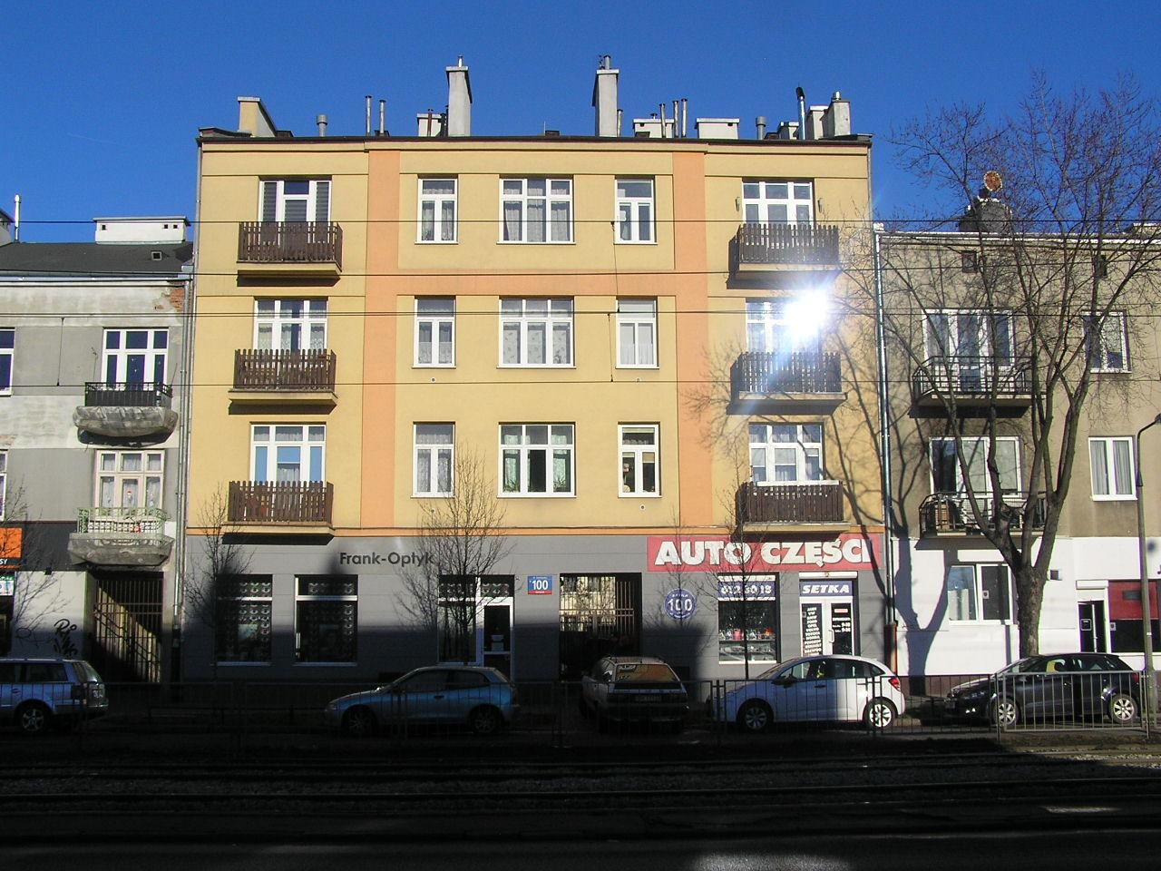 Kamienica przy ulicy Grochowskiej 100 na Grochowie