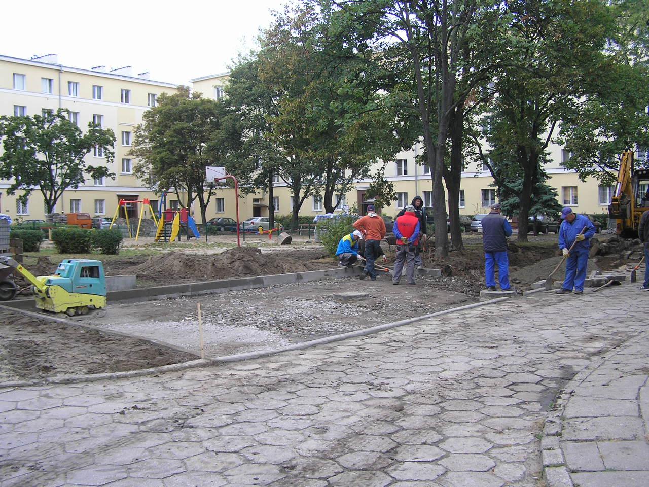 Modernizacja podwórka na Podskarbińskiej 8B, 10A i 10B