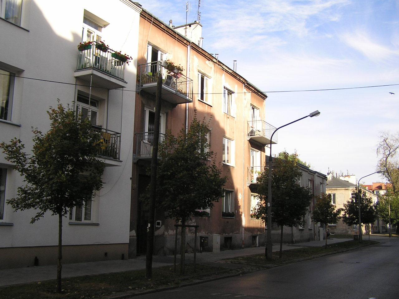 Kamienica przy ulicy Osowskiej 30 na Grochowie