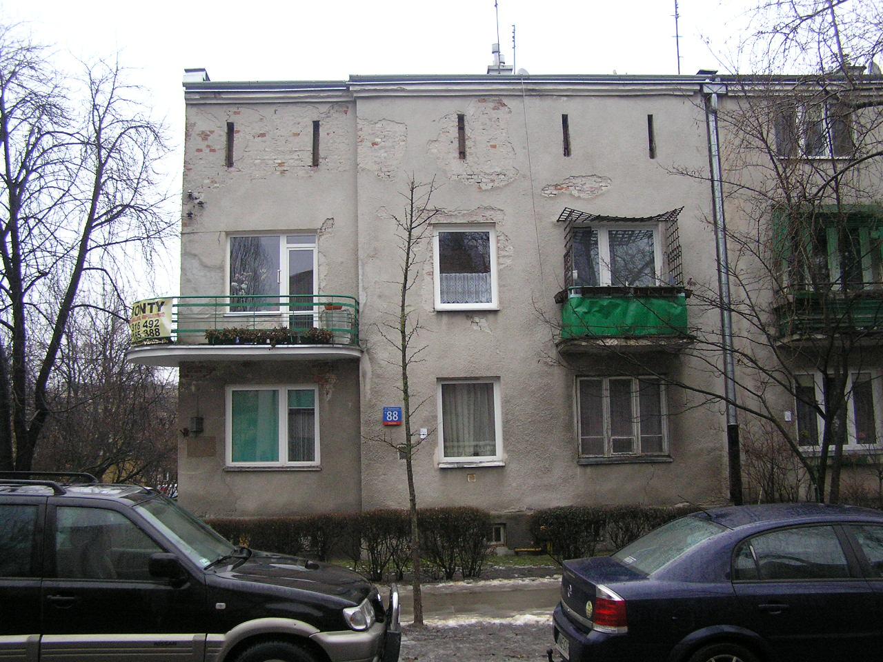 Kamienica przy ulicy Międzyborskiej 88 na Grochowie