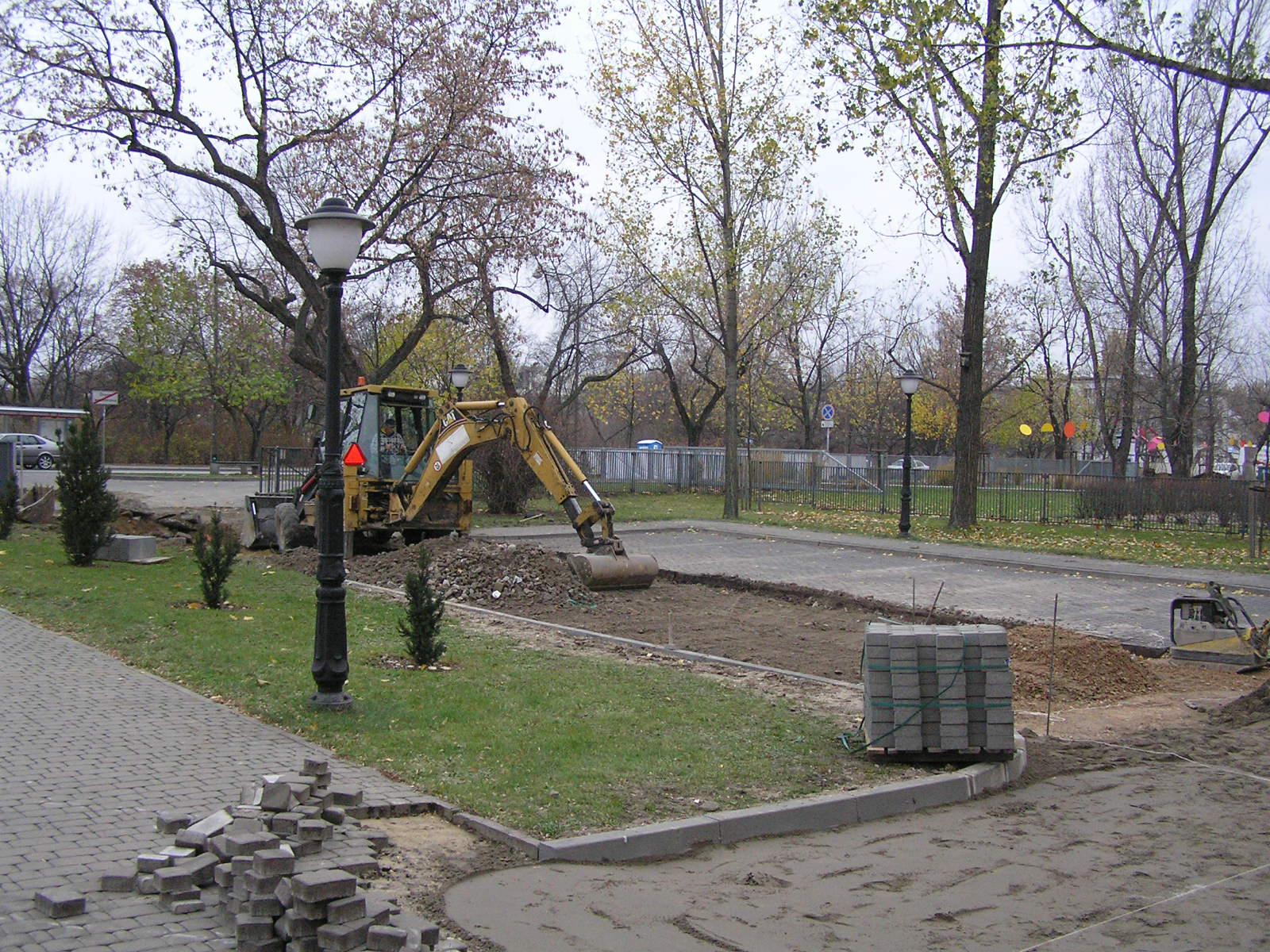 Kostka zamiast asfaltu na terenie DBFO