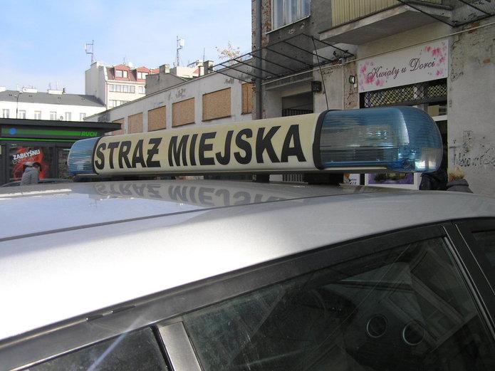 Straż Miejska odholowała samochód lekarki z hospicjum