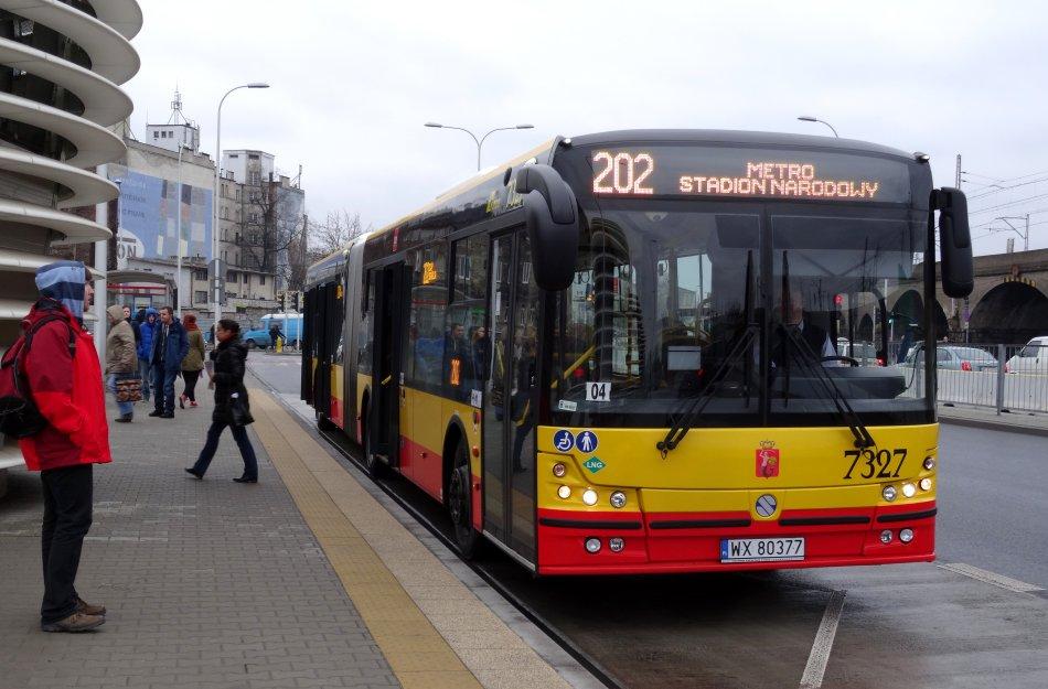 Autobus 202 linia dowozowa do metra