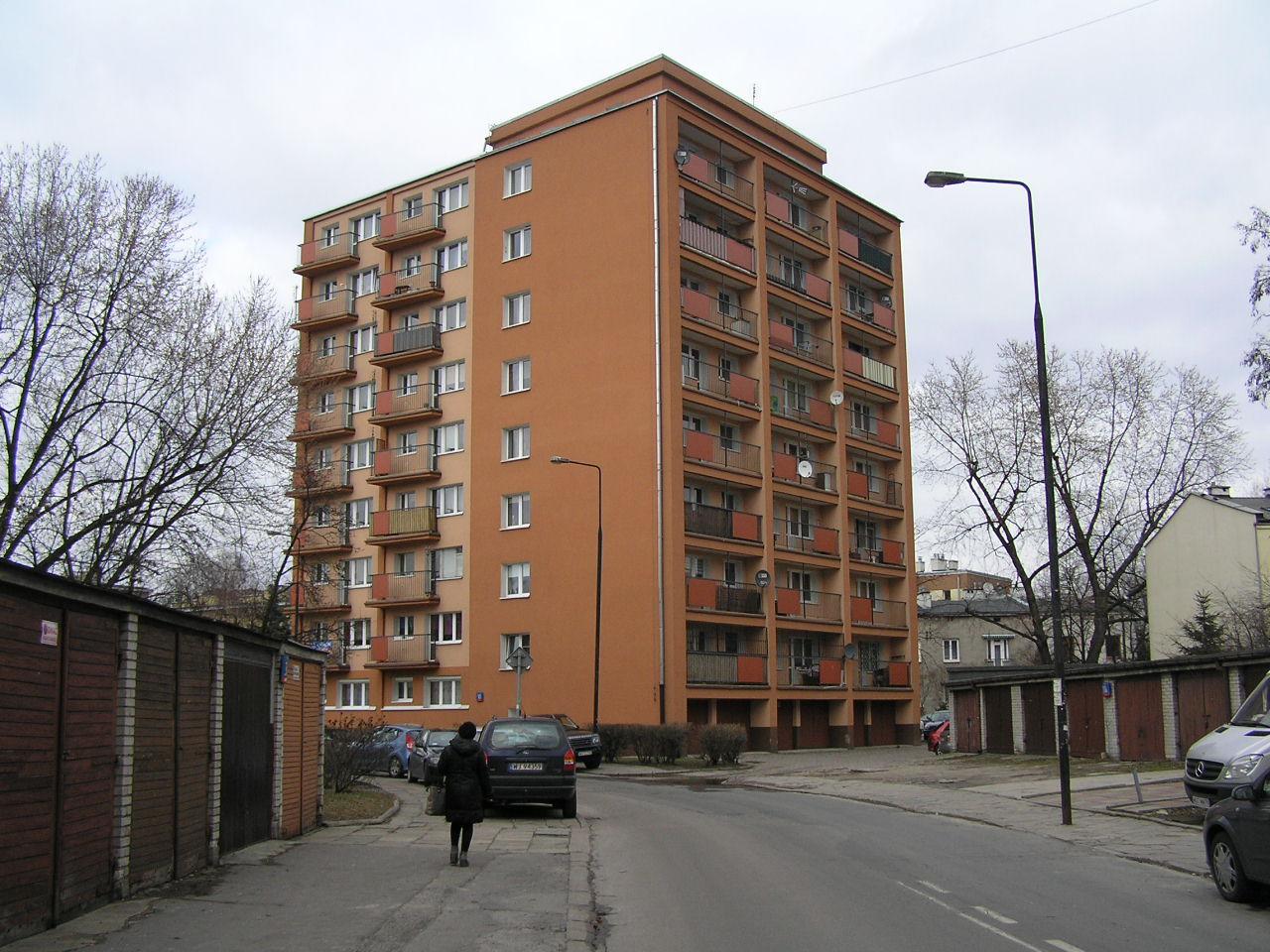 Budynek przy ulicy Rozłuckiej 10 na Grochowie