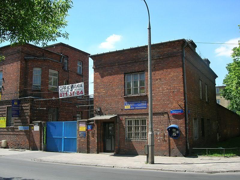 Fabryczka przy Wiatracznej 15, fot. bryt.bryta