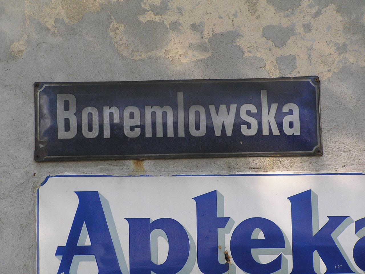 Tablice z nazwą ulicy - Chłopickiego 20