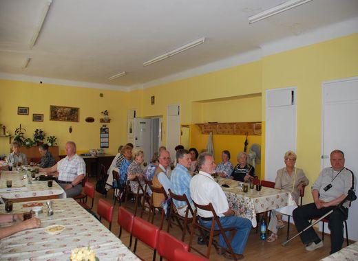 Potrzebujący emeryci i renciści z odpowiednim wsparciem