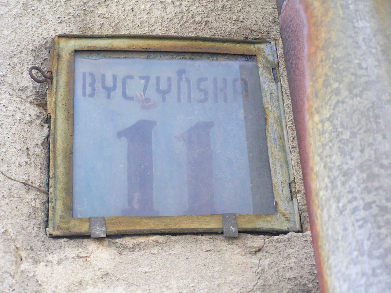 Latarenka adresowa - Byczyńska 11