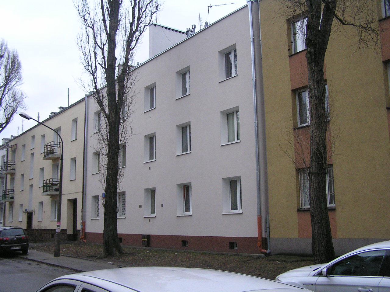Kamienica przy ulicy Dobrowoja 5 na Grochowie