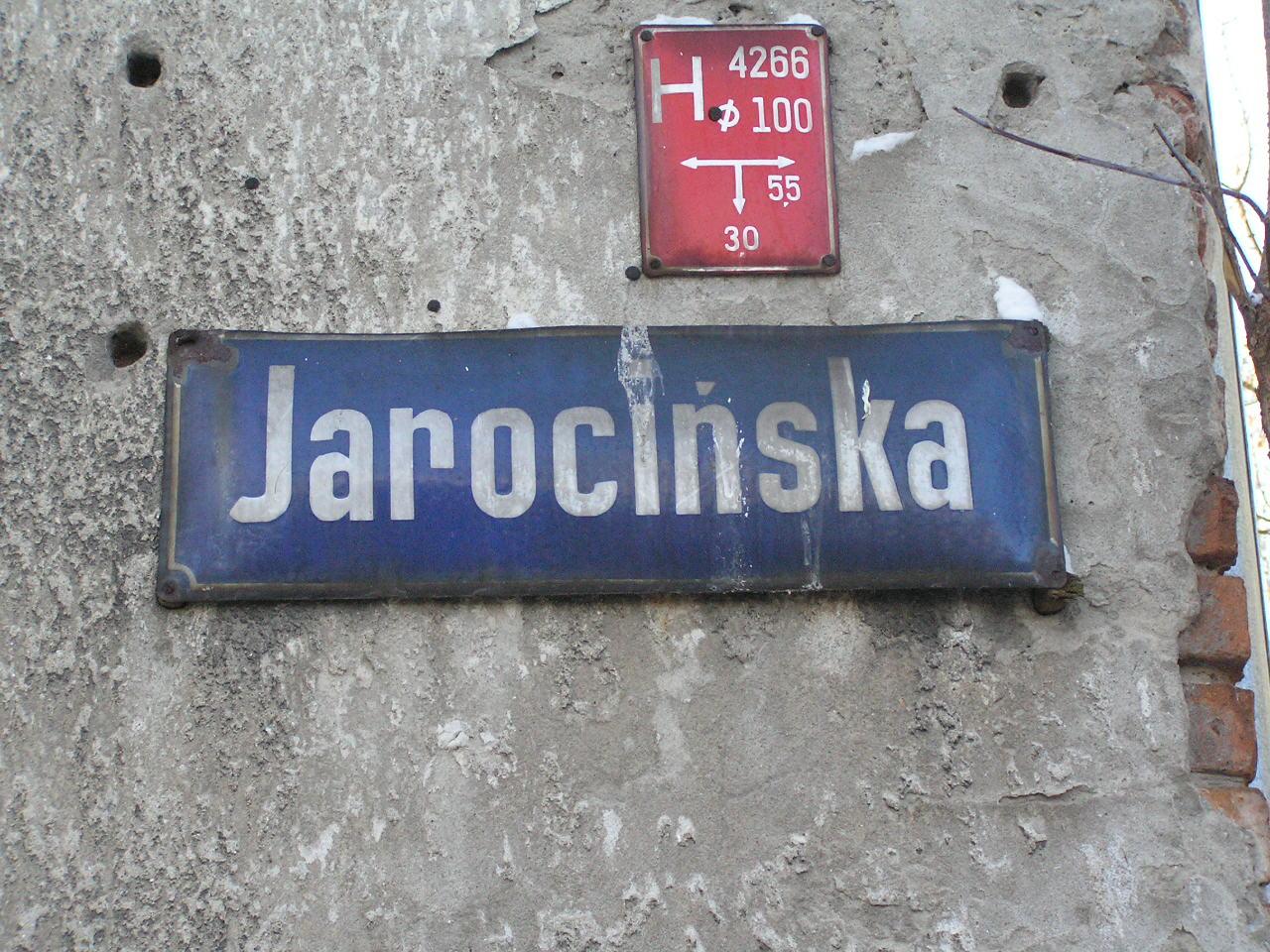 Tablica z nazwą ulicy - Jarocińska 31