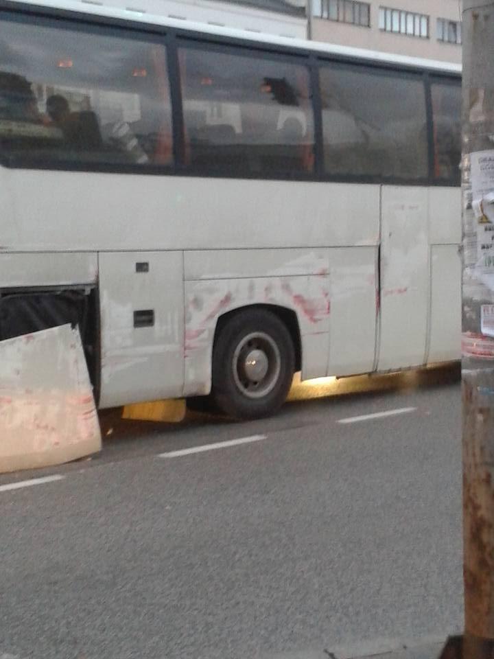 Kolizja z udziałem autokaru przy Placu Szembeka