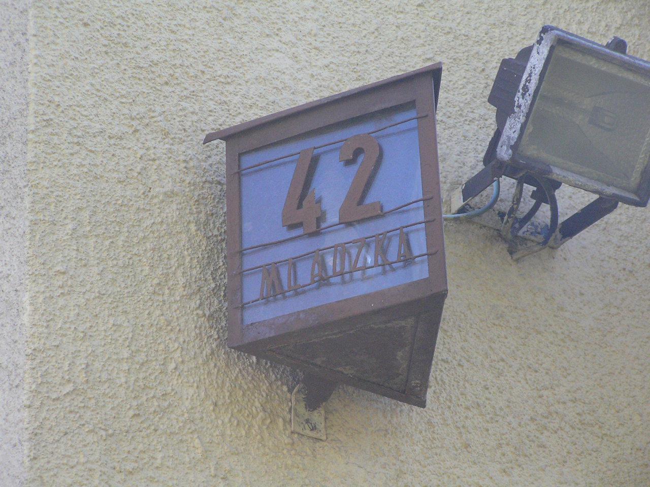 Latarenka adresowa - Mlądzka 42