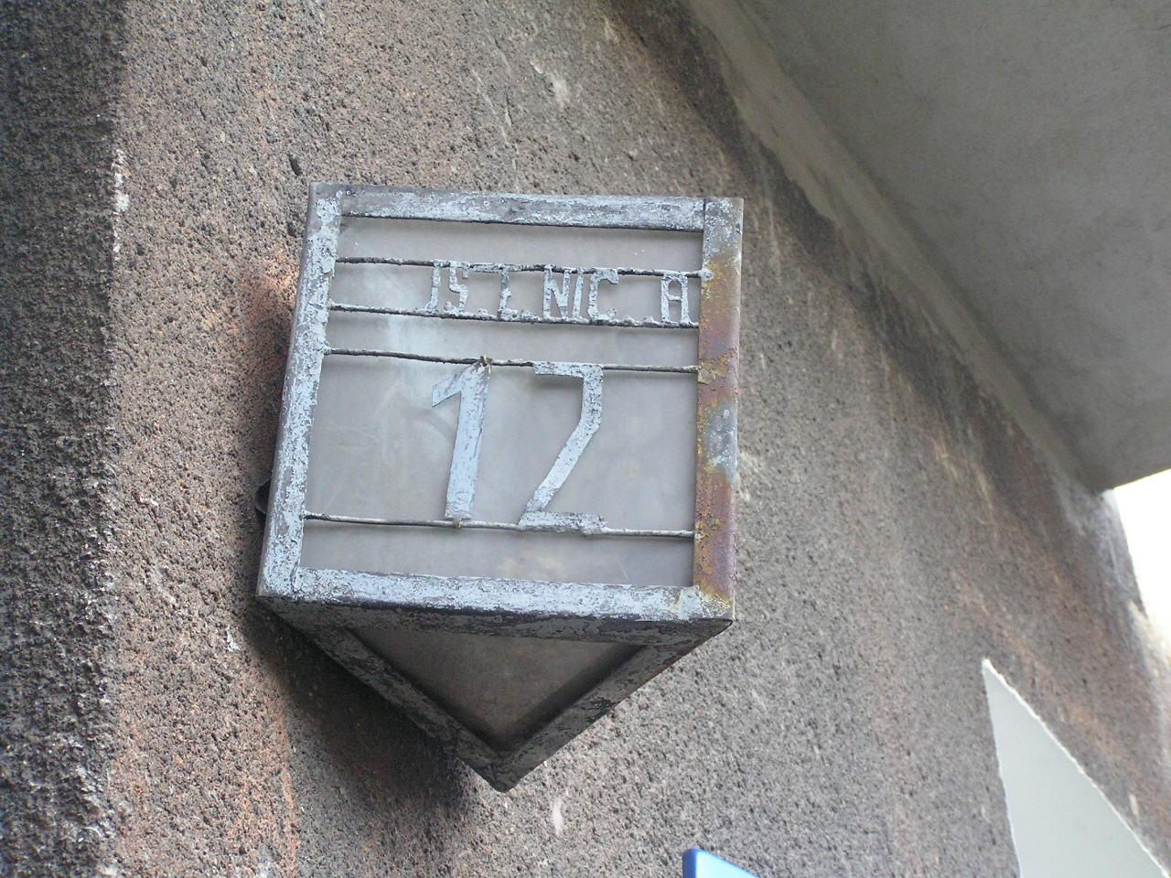 Latarenka adresowa - Pustelnicka 12