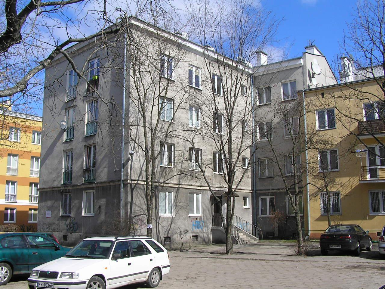 Budynek przy ulicy Rębkowskiej 9 na Grochowie
