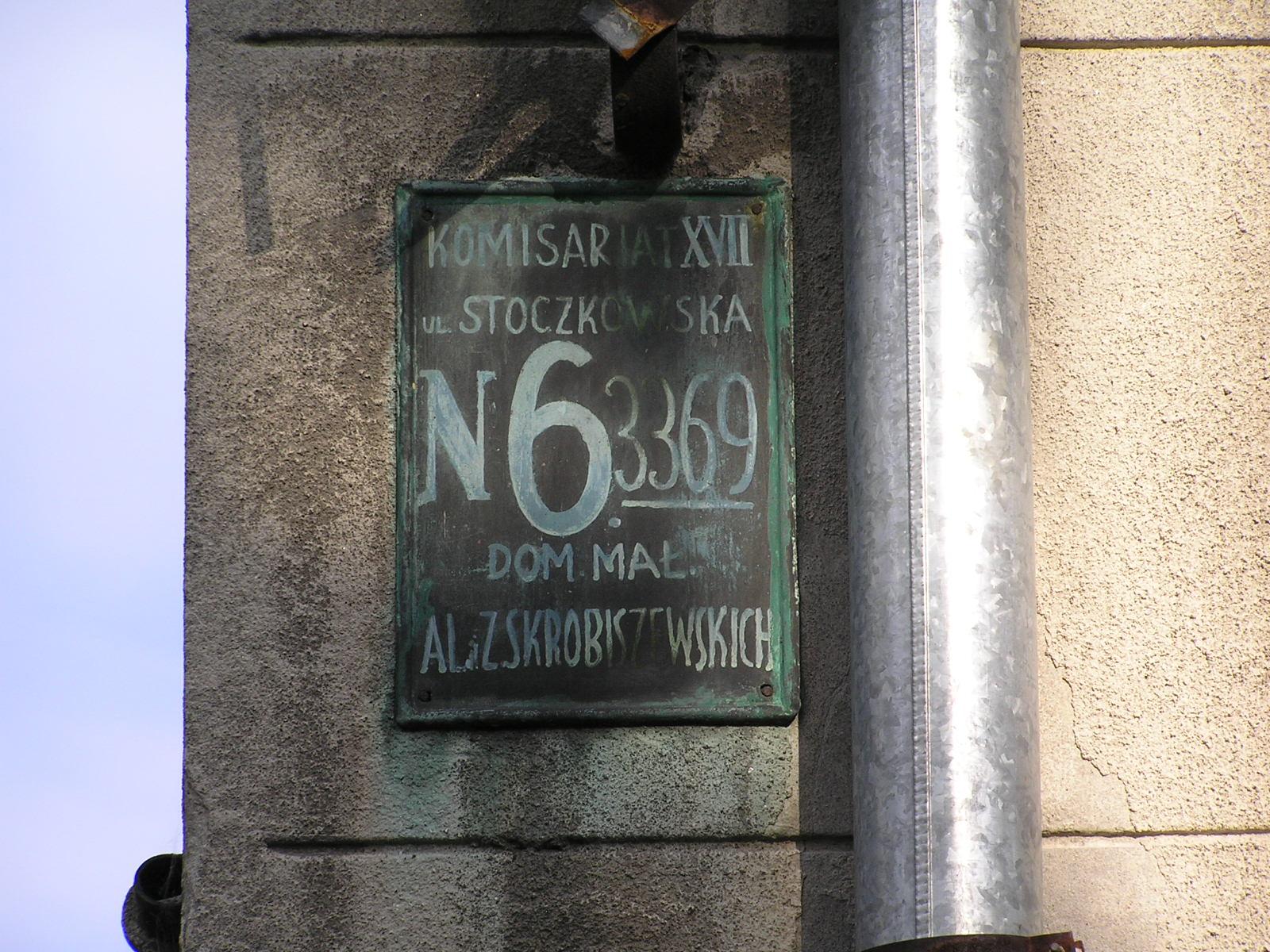 Przedwojenna tabliczka adresowa na Stoczkowskiej 6