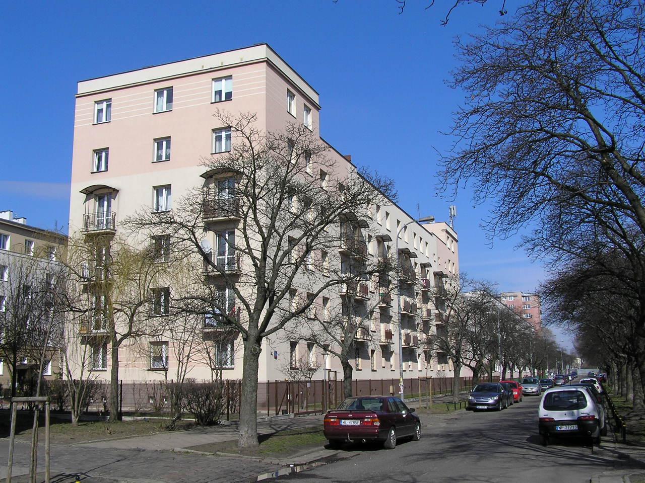 Budynek przy ulicy Siennickiej 19 na Grochowie
