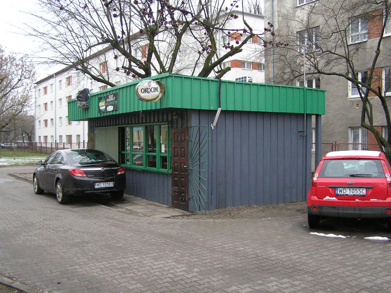 Budka owocowo-warzywna przt ulicy Podskarbińskiej 5 na Grochowie