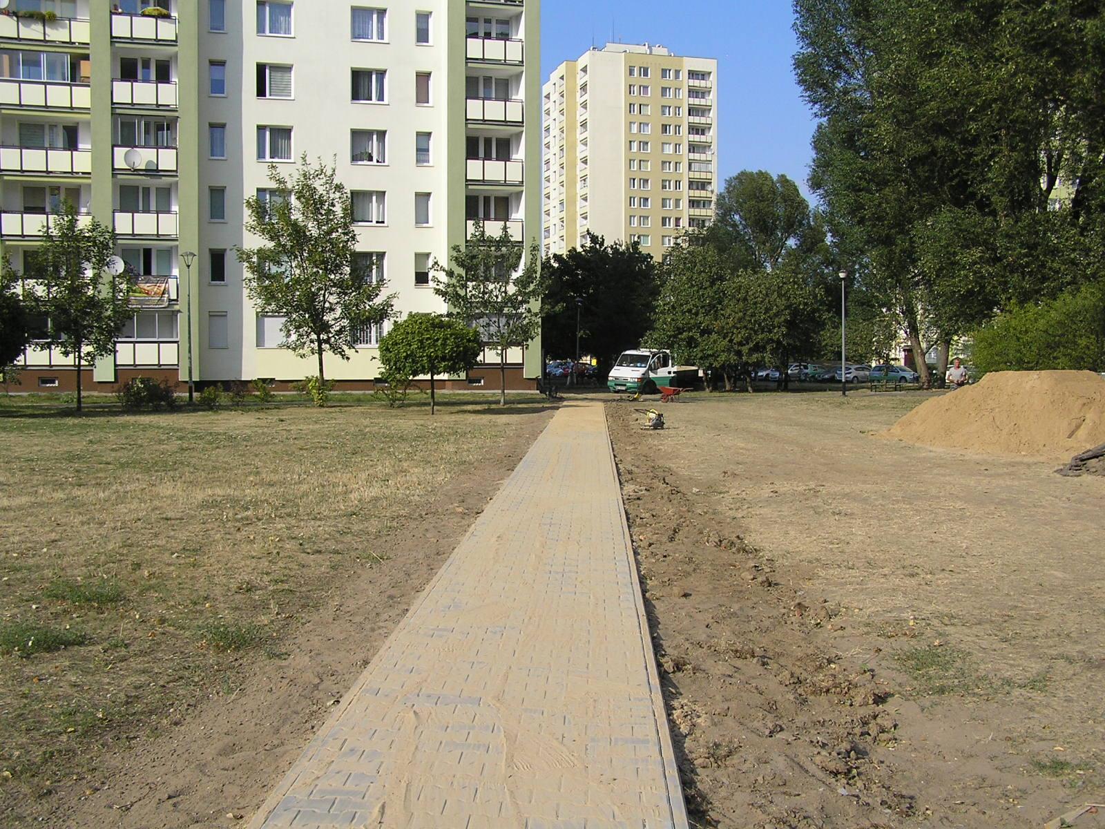 Budowa nowych chodników na osiedlu Ostrobramska