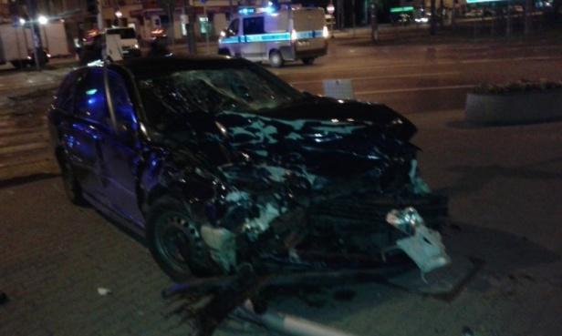 Nocny wypadek na Rondzie Wiatraczna