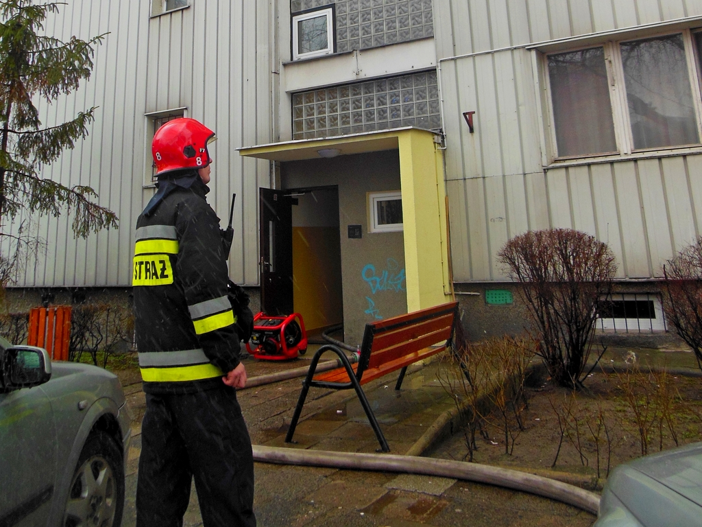 Pożar kuchni w mieszkaniu przy Fundamentowej 49/51