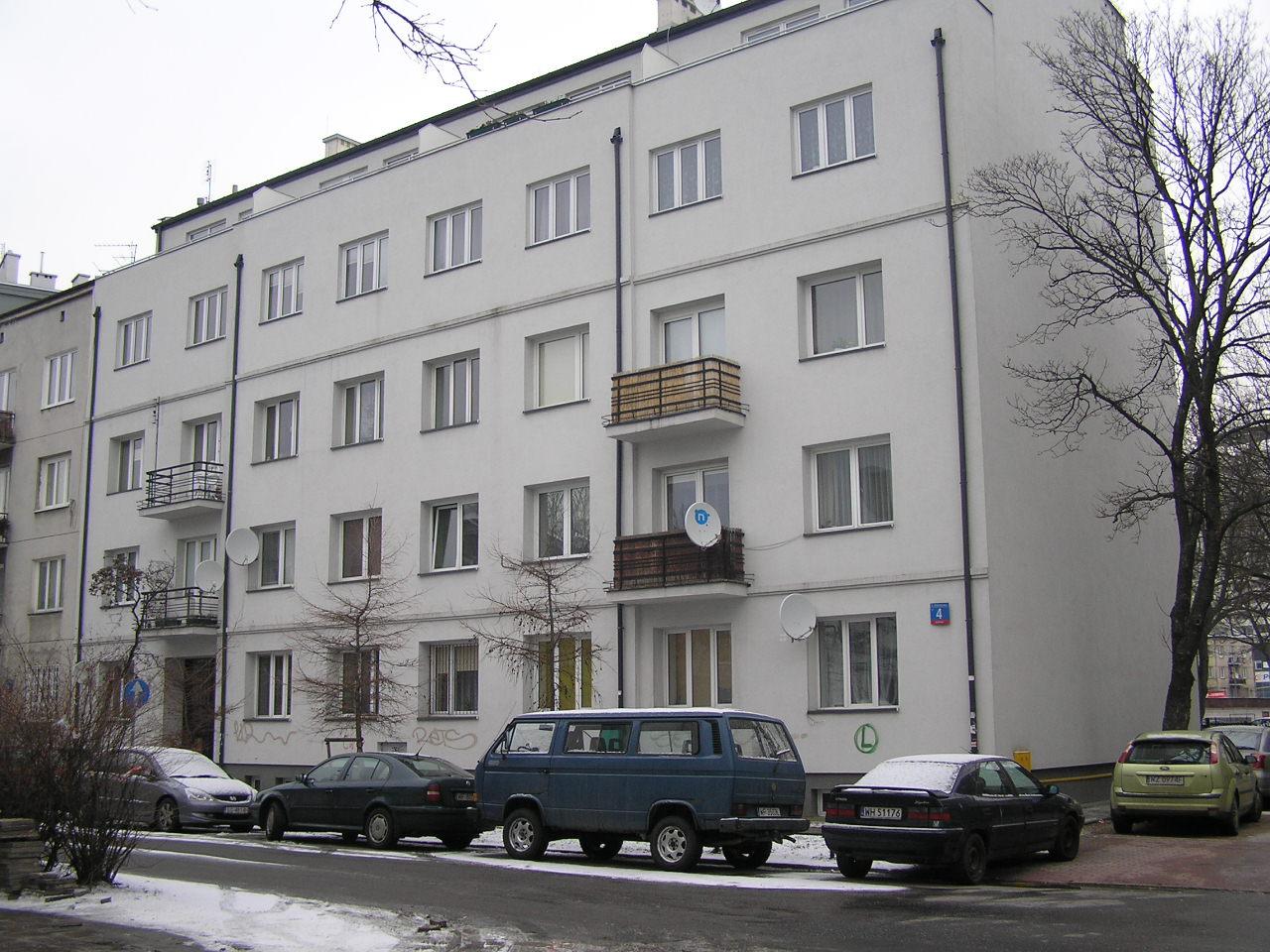 Kamienica przy ulicy Modrzewiowej 4 na Grochowie