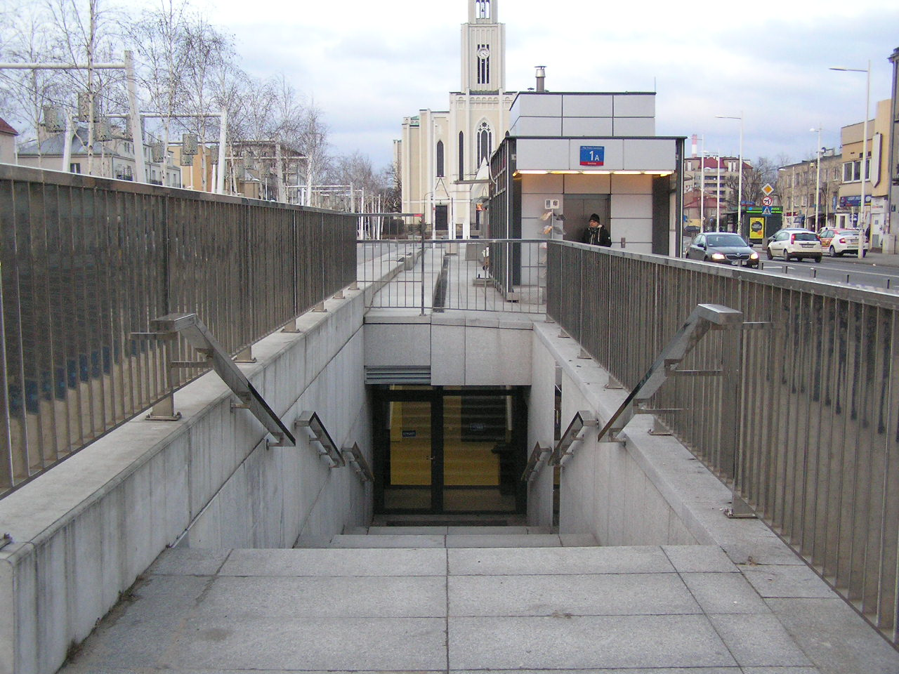 Toaleta na Placu Szembeka w końcu otwarta