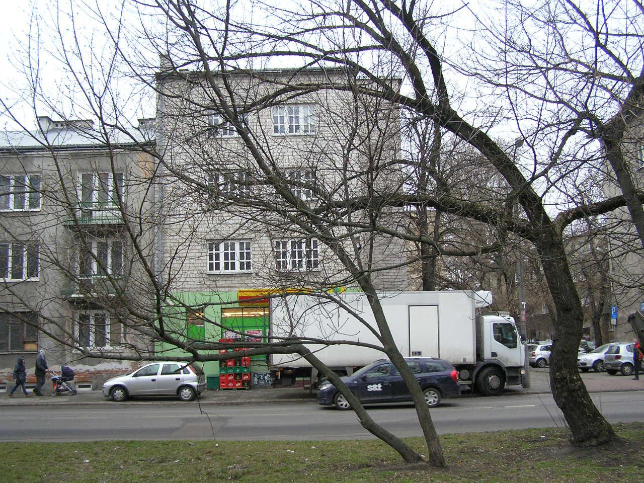 Budynek przy ulicy Wiatracznej 9 na Grochowie